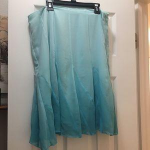 Beautiful Worthington Skirt